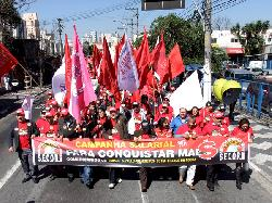 Comerciários unidos caminham pelo centro de Osasco para entrega da Pauta de Reivindicações ao patronal/Assessoria de Imprensa