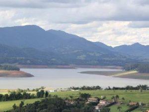 Vista da represa do Jaguari na quarta-feira (11)/Fagner Alves/Código 19/Estadão Conteúdo