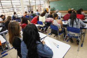 Professores exigem melhores condições de trabalho/ Pedro Freitas/ANPr